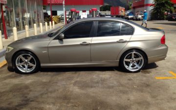 BMW 320i Gold